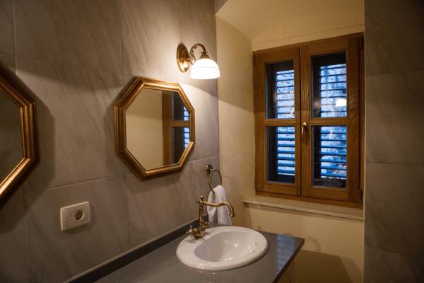 bathroom light3