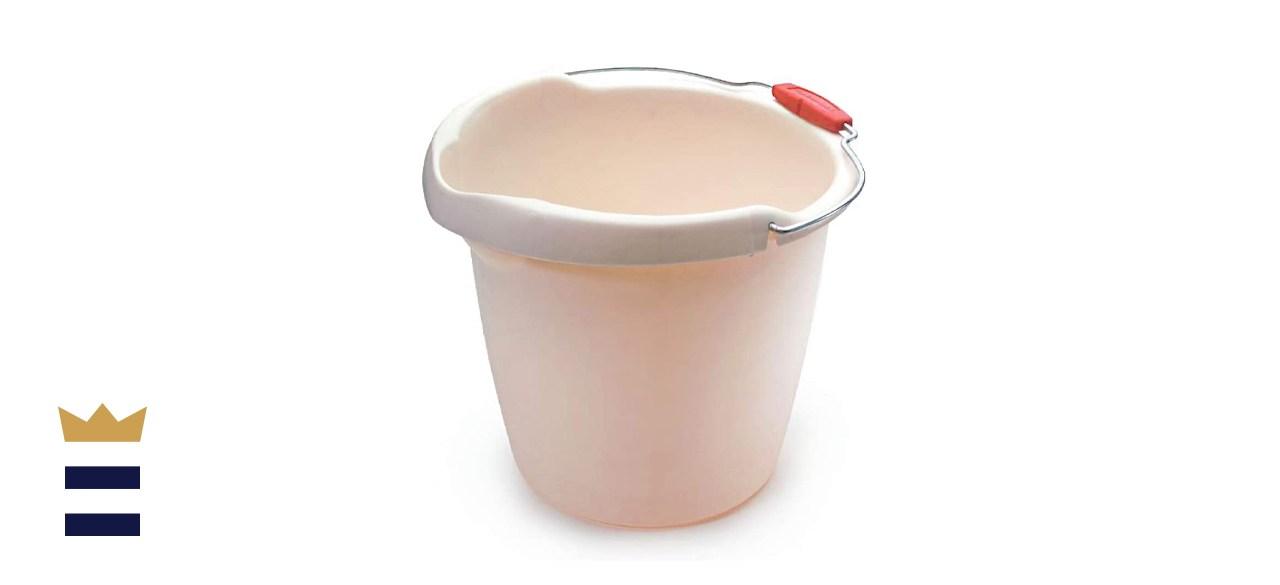 Rubbermaid Roughneck Heavy-Duty Utility Bucket