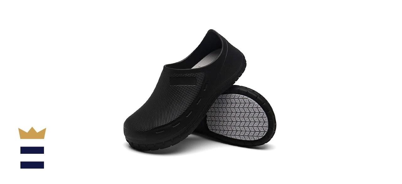 closed-toe footwear