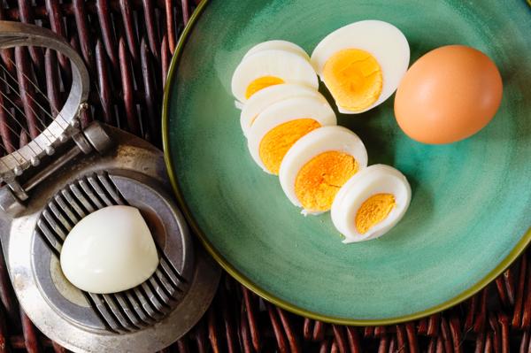 egg slicer1