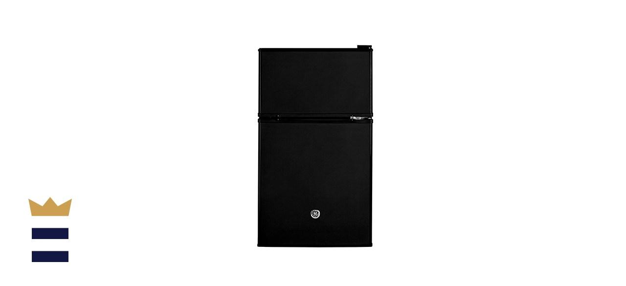 GE's Freestanding Compact Refrigerator