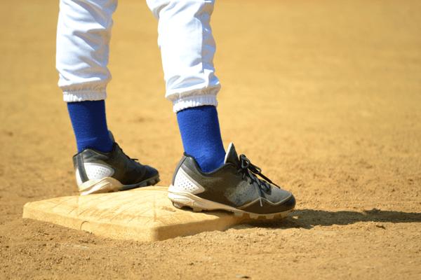 kids baseball cleats3