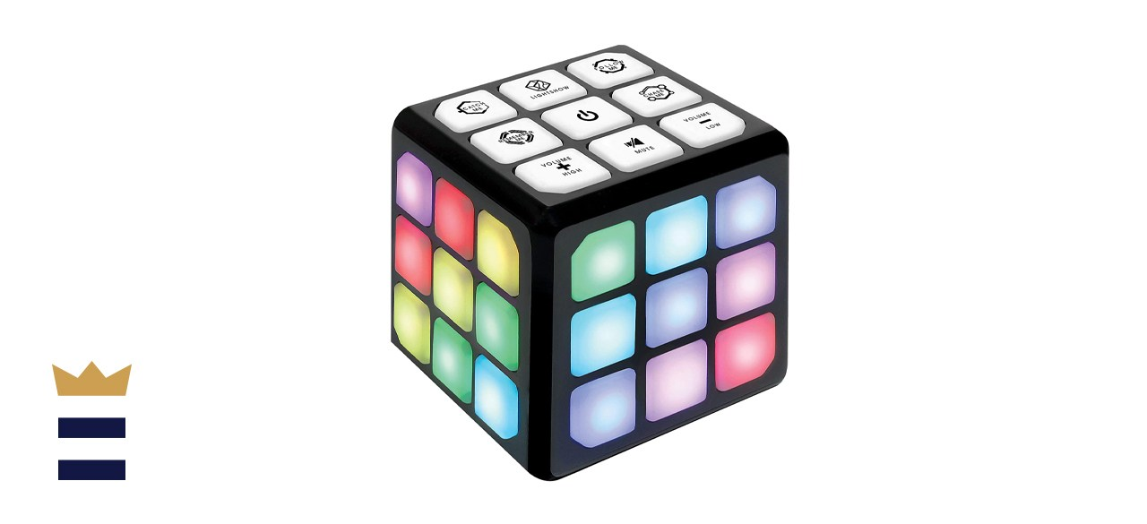 Winning Fingers Flashing Cube Memory and Brain Game